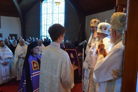 2014-0513-bp-mark-enthronement-2340