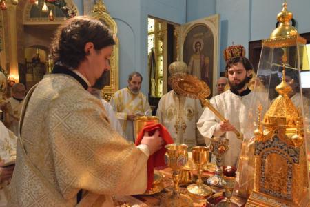 2014-1227-consecration54