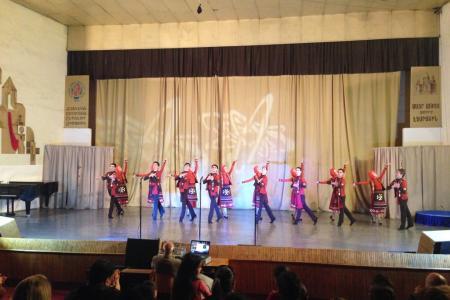 2015-0421-armenianyouth13