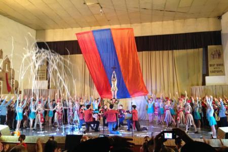 2015-0421-armenianyouth15