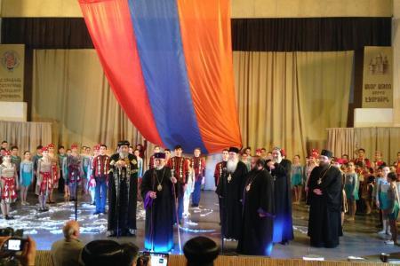 2015-0421-armenianyouth17