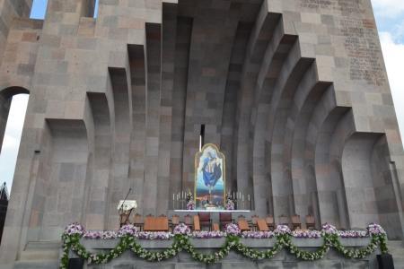 2015-0423-canonization10