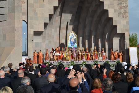 2015-0423-canonization20