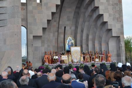 2015-0423-canonization21