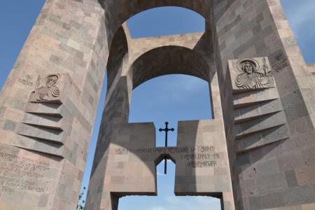 2015-0423-canonization3