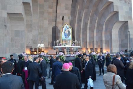 2015-0423-canonization41