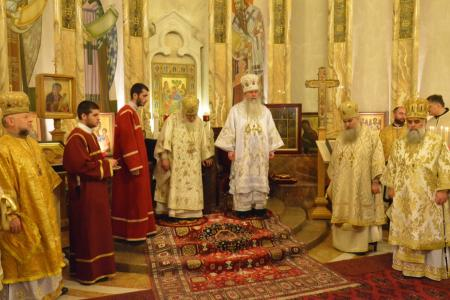 2015-0426-liturgycathedral34
