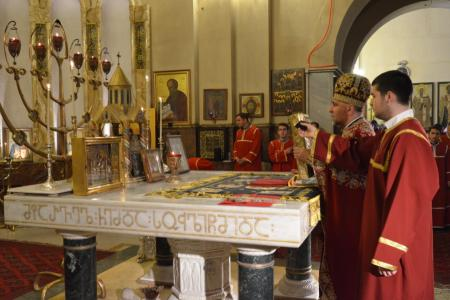 2015-0426-liturgycathedral3