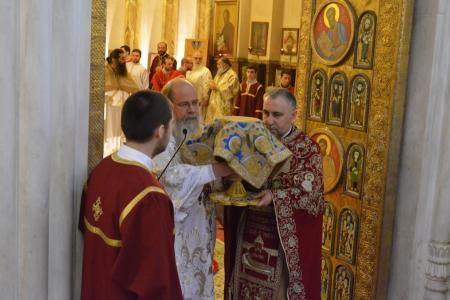 2015-0426-liturgycathedral41