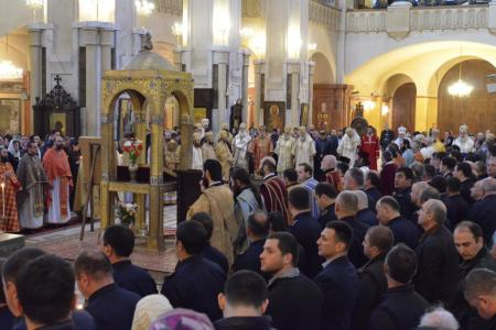 2015-0426-liturgycathedral5