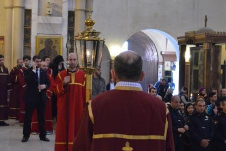 2015-0426-liturgycathedral6