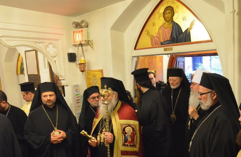 Antiochian Patriarch John X, Metropolitan Tikhon concelebrate