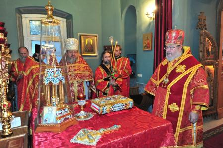 2012-1207-st-catherine-liturgy20