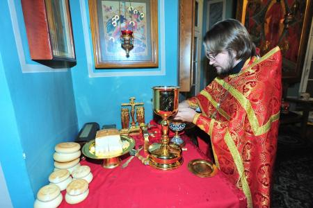 2012-1207-st-catherine-liturgy2