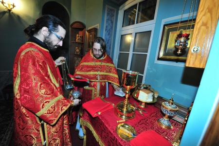2012-1207-st-catherine-liturgy4
