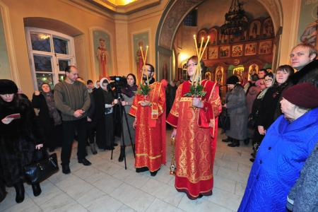 2012-1207-st-catherine-liturgy5