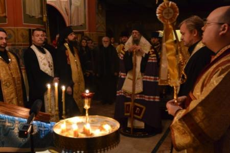 2013-0126-enthronement-vigil16
