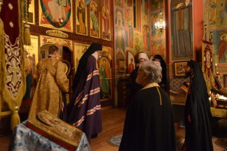 2013-0126-enthronement-vigil20