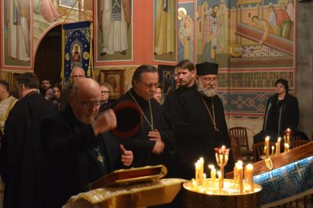 2013-0126-enthronement-vigil58