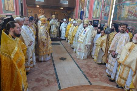 2013-0127-enthronement-met-tikhon1