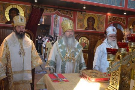 2013-0127-enthronement-met-tikhon24
