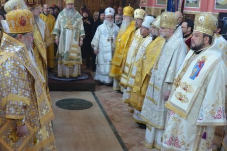 2013-0127-enthronement-met-tikhon2