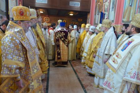 2013-0127-enthronement-met-tikhon3