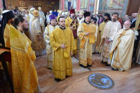 2013-0127-enthronement-met-tikhon7