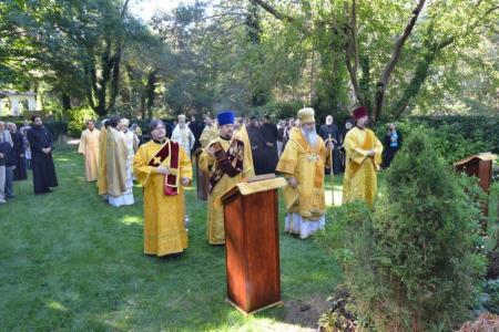 2013-0928-seminaries1